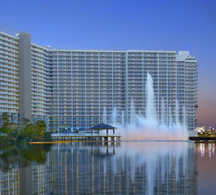 Located In The Heart Of Panama City Beach Within Walking Distance Just About Everything Laketown Wharf Is Largest Single Building Inium